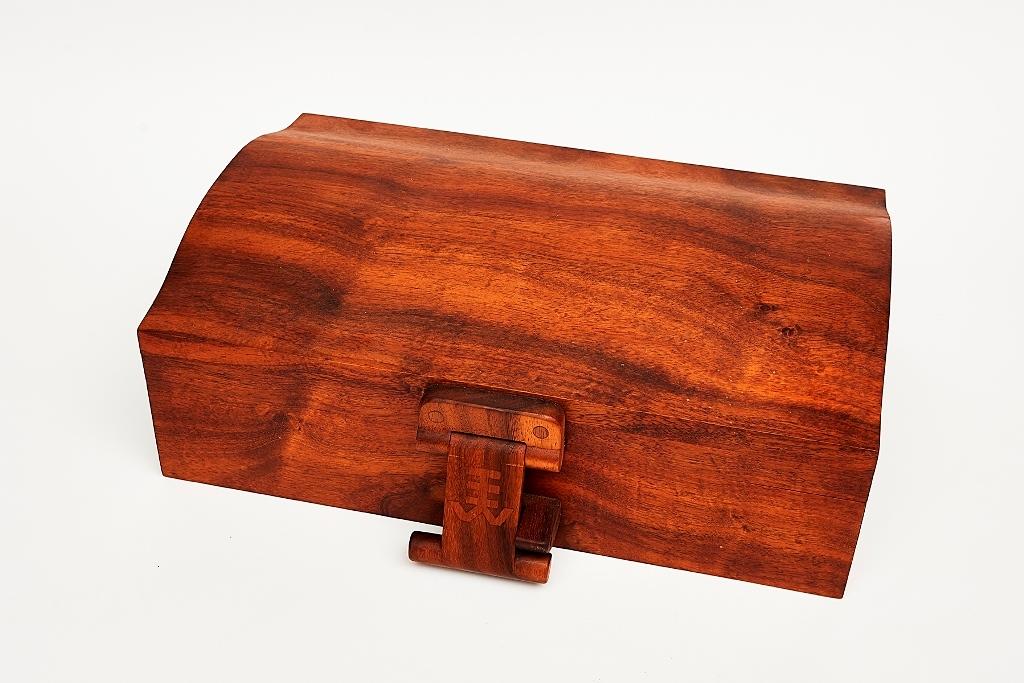 Specimen Wooden Box Shapiro Auctioneers